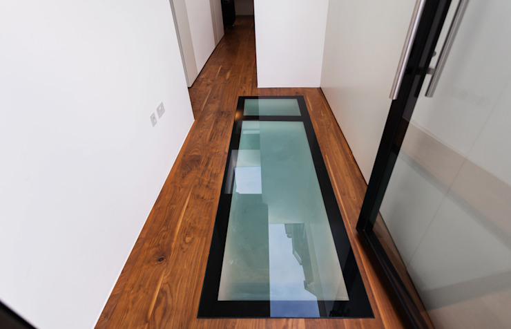 Fantastic New Flat Window - Skylight from Basement Modern windows & doors by Diamond Constructions Ltd Modern
