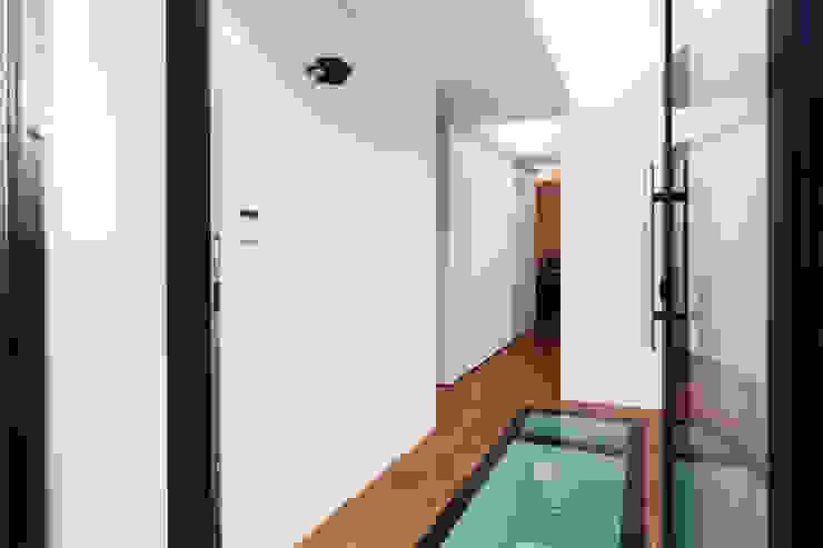 Extension & House Renovation SW18—London Modern windows & doors by Diamond Constructions Ltd Modern
