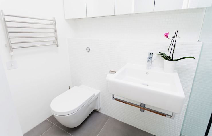 Extension & House Renovation SW18 - London Modern style bathrooms by Diamond Constructions Ltd Modern