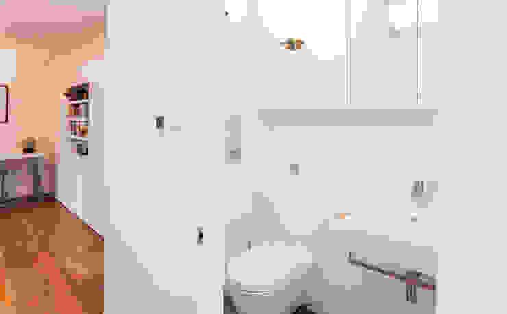 Extension & House Renovation SW18—London Modern style bathrooms by Diamond Constructions Ltd Modern