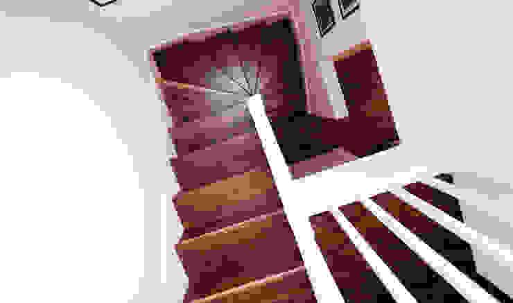 Extension & House Renovation SW18—London Modern corridor, hallway & stairs by Diamond Constructions Ltd Modern