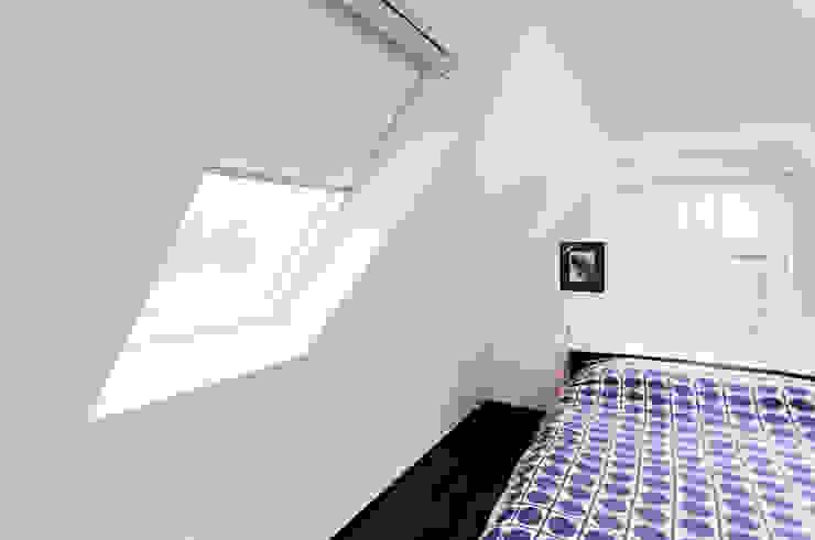 Extension & House Renovation SW18—London Modern style bedroom by Diamond Constructions Ltd Modern