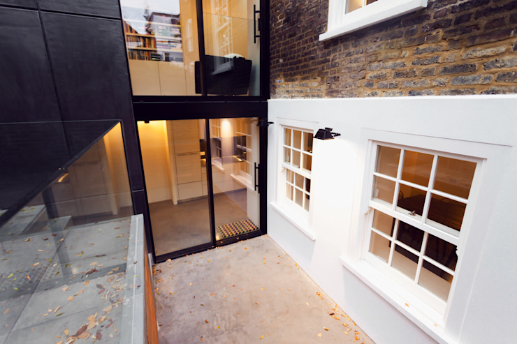 Fantastic New Windows & Doors. Modern houses by Diamond Constructions Ltd Modern