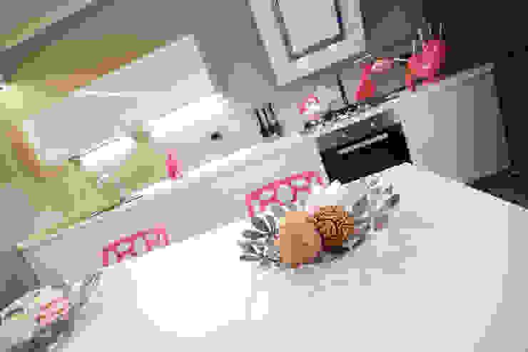 HOME SWEET (CANDY) HOME Cucina moderna di Rachele Biancalani Studio Moderno