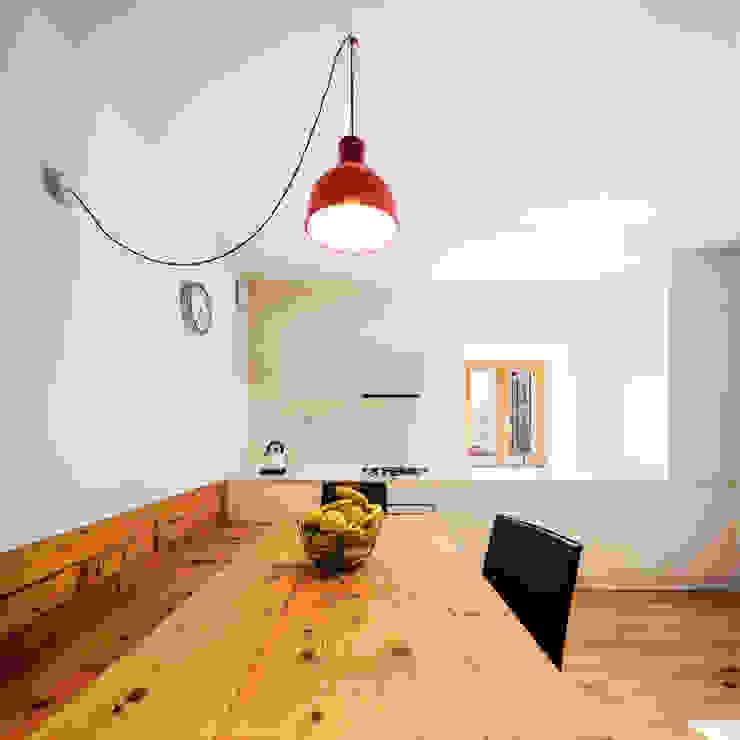 Casa FG Modern Kitchen by raro Modern