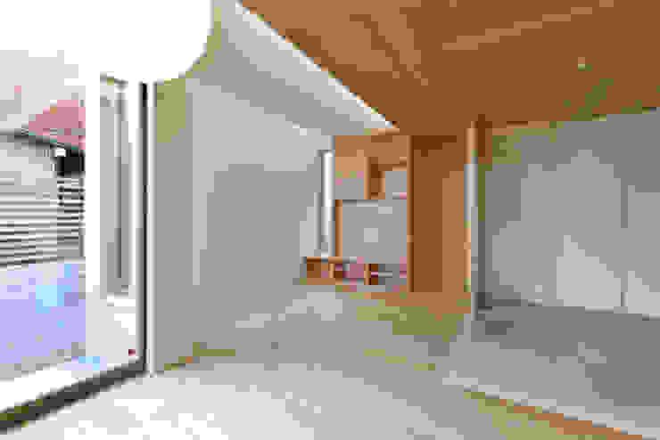 Вітальня by 株式会社Fit建築設計事務所,