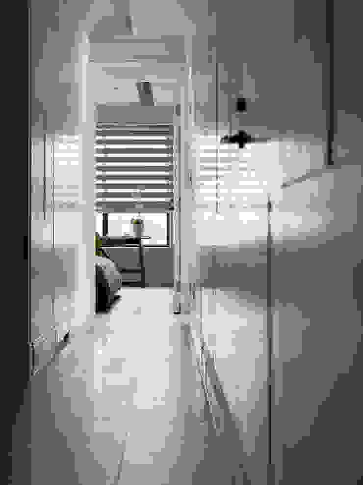 浪漫的歸屬 經典風格的走廊,走廊和樓梯 根據 大荷室內裝修設計工程有限公司 古典風