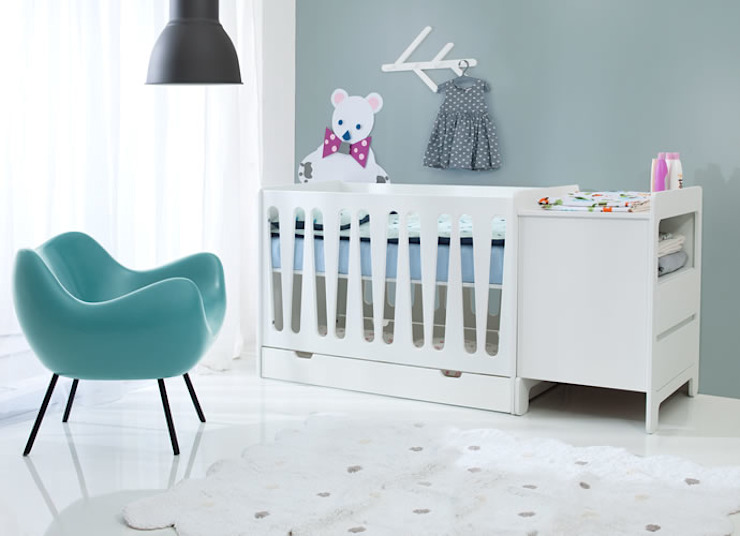 ​Moonlight Cot Bed Oleh homify Klasik Kayu Wood effect