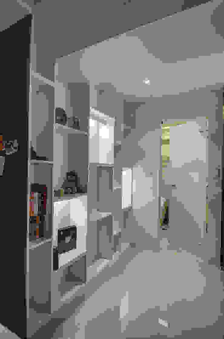 現代鄉村風 乡村风格的走廊,走廊和楼梯 根據 木皆空間設計 鄉村風