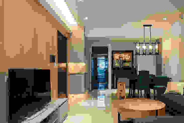 桃園郭公舘 现代客厅設計點子、靈感 & 圖片 根據 木皆空間設計 現代風