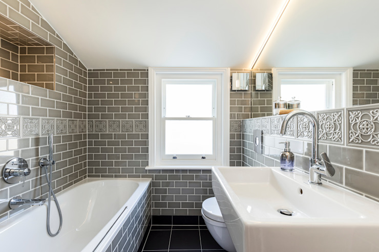 Abbeville Road:  Bathroom by Orchestrate Design and Build Ltd.,