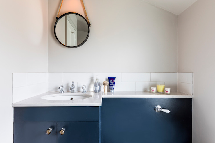 Dorothy Road Modern bathroom by Orchestrate Design and Build Ltd. Modern