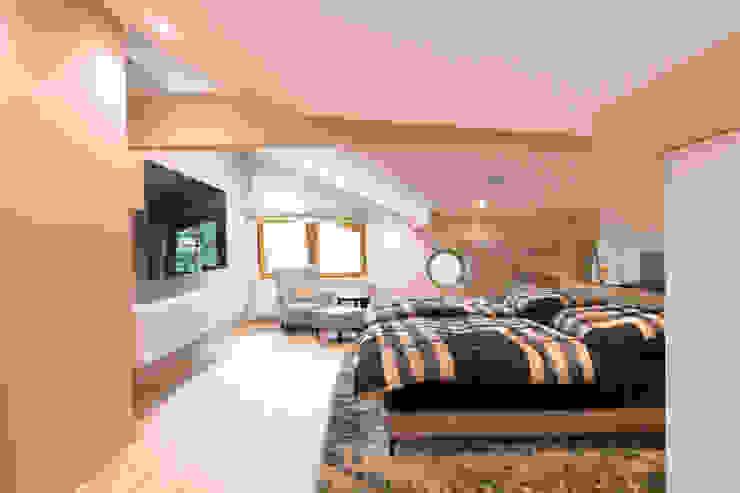 casaio | smart buildings Modern Bedroom