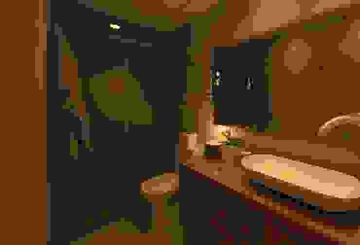 Baño Recamara Baños modernos de Arq Eduardo Galan, Arquitectura y paisajismo Moderno Azulejos