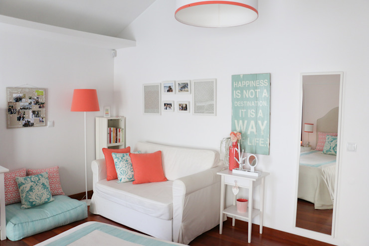 Coral e Aqua quarto de adolescente Quartos modernos por Perfect Home Interiors Moderno