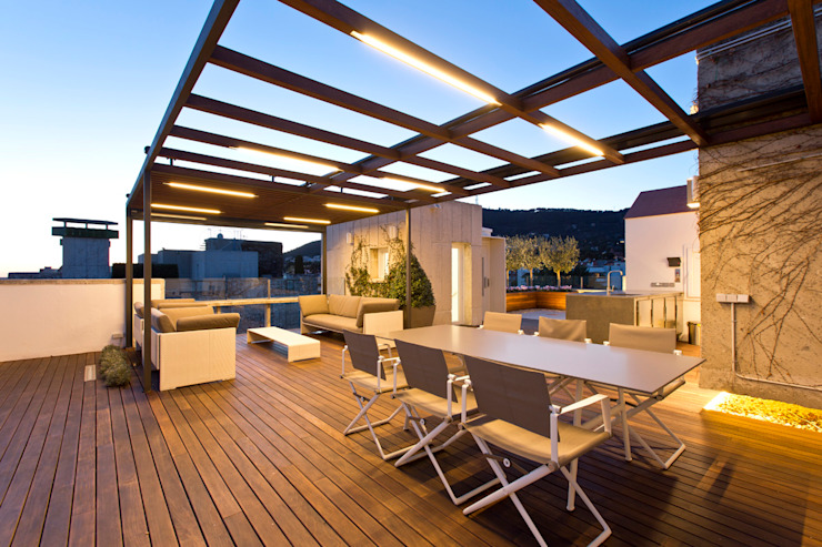 Garden Center Conillas S.L Modern style balcony, porch & terrace Wood Wood effect