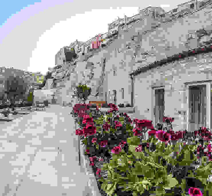 Fioriere con gerani BB Architettura del Paesaggio Hotel in stile mediterraneo