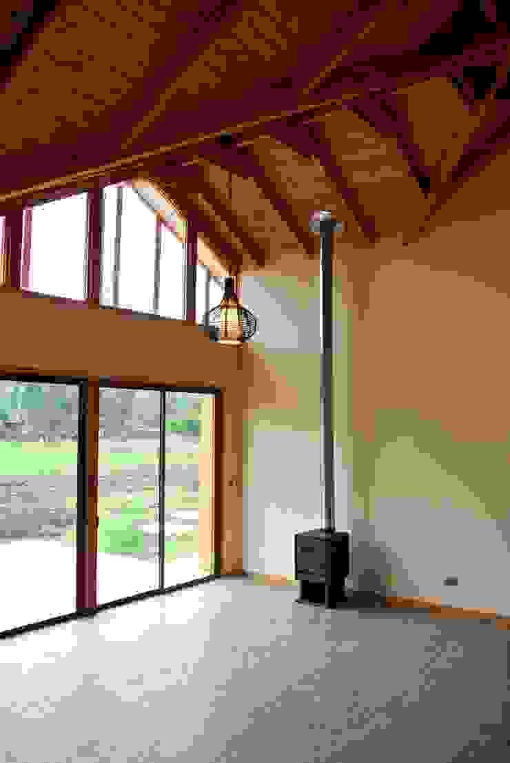 Casa en Talagante Livings de estilo de AtelierStudio Rural