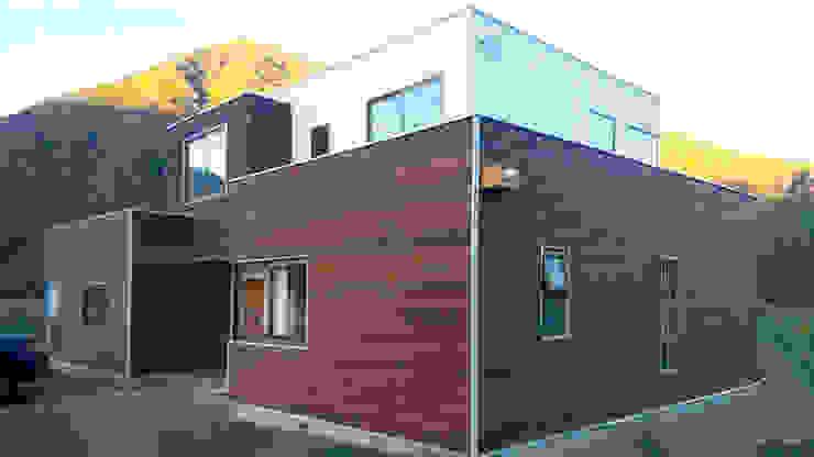 Rumah Gaya Mediteran Oleh AtelierStudio Mediteran
