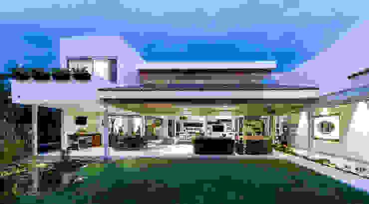 Fachada posterior Casas modernas de Loyola Arquitectos Moderno