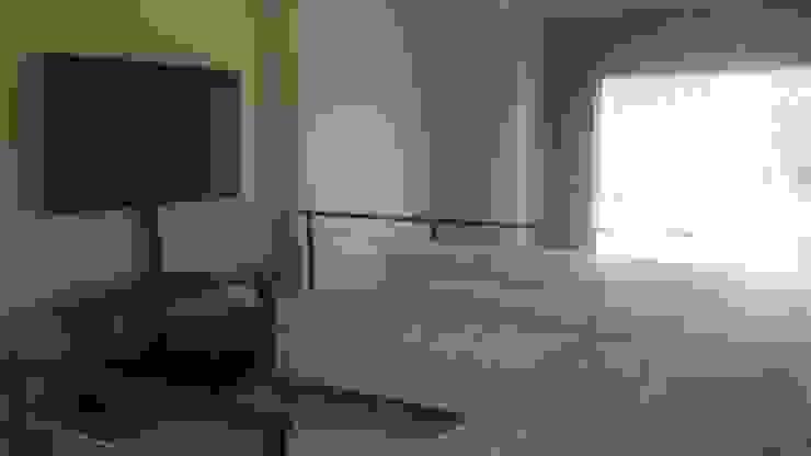 Sala de Estar Salas multimedia modernas de KMK Construcciones Moderno Cerámico