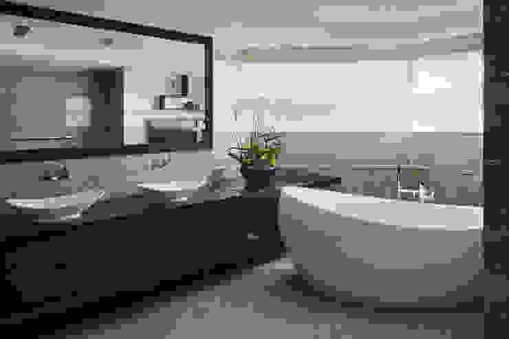 モダンスタイルの お風呂 の 大荷室內裝修設計工程有限公司 モダン
