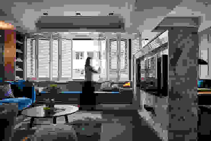 DYD INTERIOR大漾帝國際室內裝修有限公司 Classic windows & doors Solid Wood White