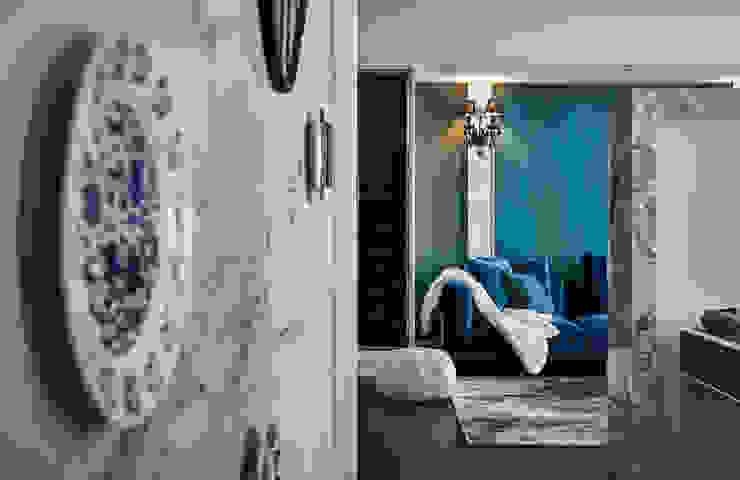 DYD INTERIOR大漾帝國際室內裝修有限公司 Pasillos, vestíbulos y escaleras de estilo clásico Mármol Azul