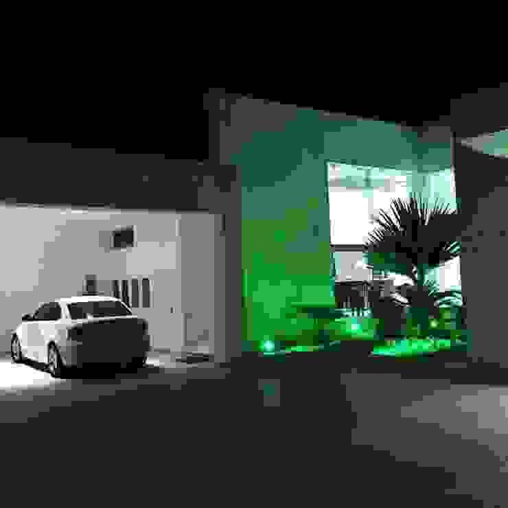 CASA DE LOS PATIOS Casas minimalistas de SG Huerta Arquitecto Cancun Minimalista Granito