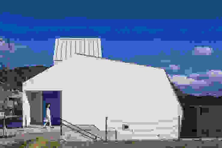 白い林檎 奥和田健建築設計事務所 okuwada architects office 北欧風 家 コンクリート 白色