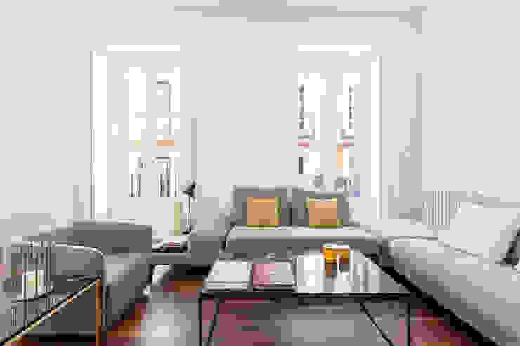 BELTÁ & FRAJUMAR Living roomSide tables & trays