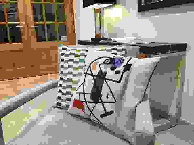 Peinture (Miro) Cushion Banbayu Living roomAccessories & decoration Cotton White