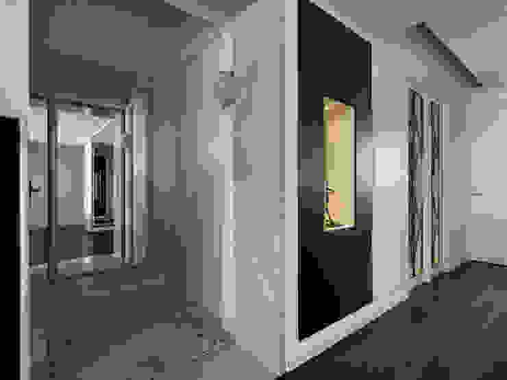 家的風景 大荷室內裝修設計工程有限公司 經典風格的走廊,走廊和樓梯