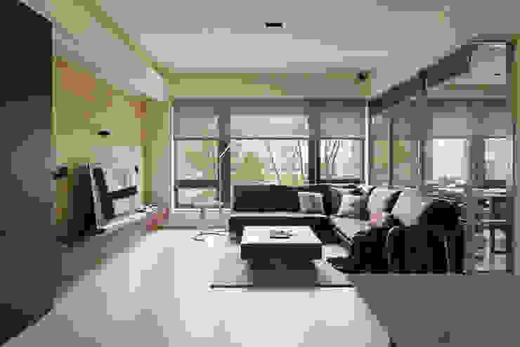 大荷室內裝修設計工程有限公司 Salas de estilo minimalista