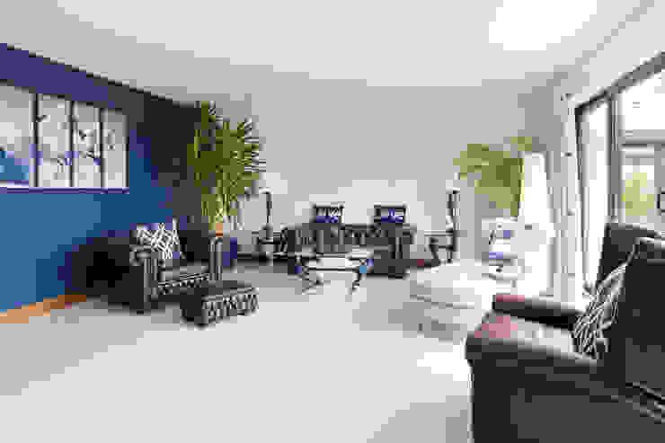 Dunadry House Modern living room by slemish design studio architects Modern