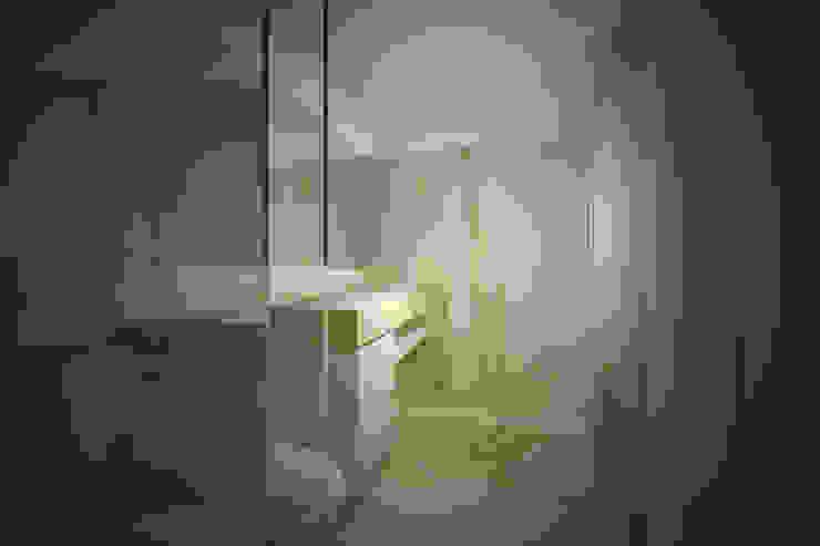 IS.LX.K Casas de banho ecléticas por PLURALLINES - Ideias, Projectos e Gestão Lda Eclético