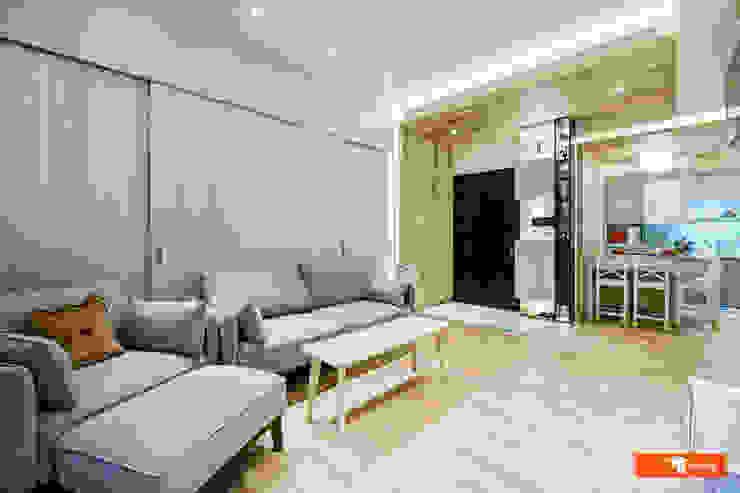 高雄悅龍灣—陳宅 隨意取材風玄關、階梯與走廊 根據 Unicorn Design 隨意取材風