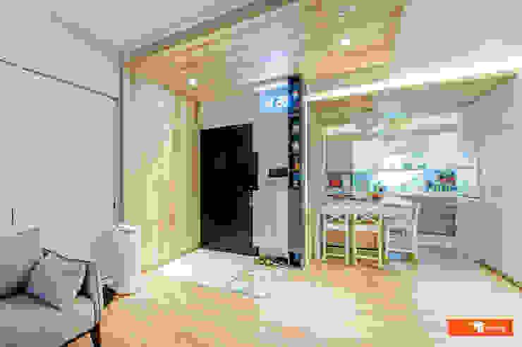 Pasillos, vestíbulos y escaleras de estilo ecléctico de Unicorn Design Ecléctico