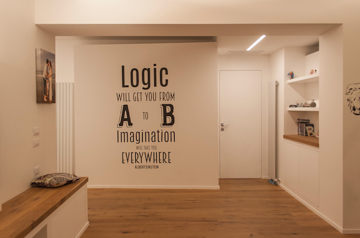 Appartamento Z + D Ingresso, Corridoio & Scale in stile minimalista di Architettura & Interior Design 'Officina Archetipo' Minimalista