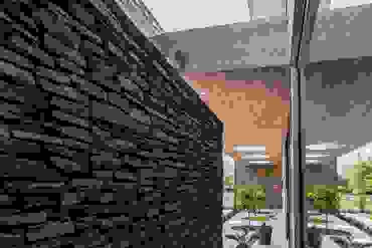 Casas estilo moderno: ideas, arquitectura e imágenes de JPV Arquitecto Moderno
