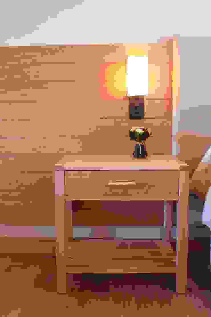 Detalle mesa de luz Hoteles de estilo moderno de INTEGRAR DISEÑO Moderno