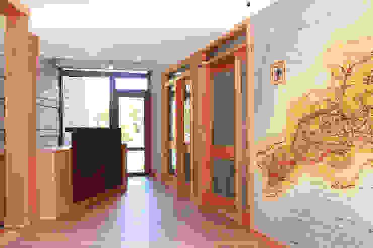 Acceso / Lobby Hoteles de estilo moderno de INTEGRAR DISEÑO Moderno