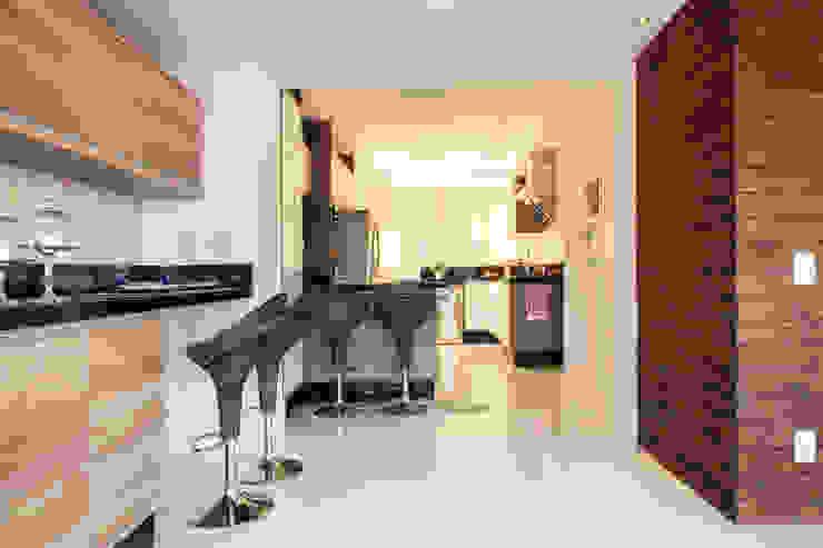 Cocinas modernas de Ahph Arquitetura e Interiores Moderno
