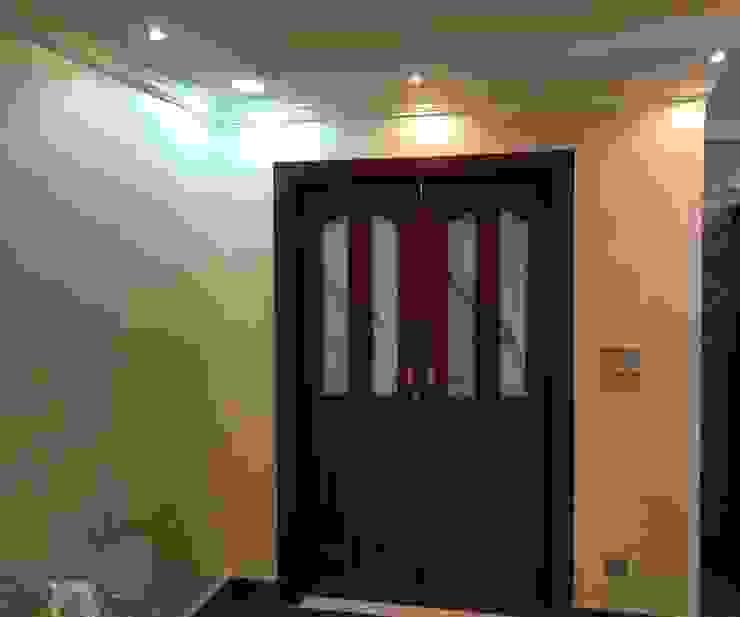 الرواد العرب Classic style windows & doors