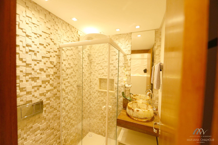 Salle de bain moderne par Mariana Chalhoub Moderne