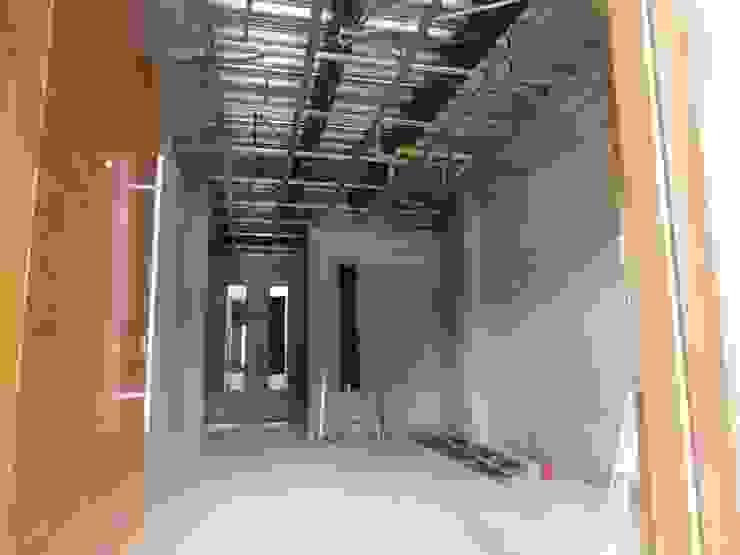 VIVIENDA <q>N&R</q> Salas modernas de TALLER 9, ARQUITECTURA Moderno