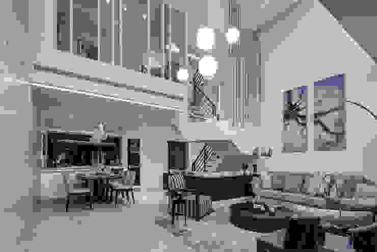 三代同堂度假別墅 现代客厅設計點子、靈感 & 圖片 根據 大荷室內裝修設計工程有限公司 現代風