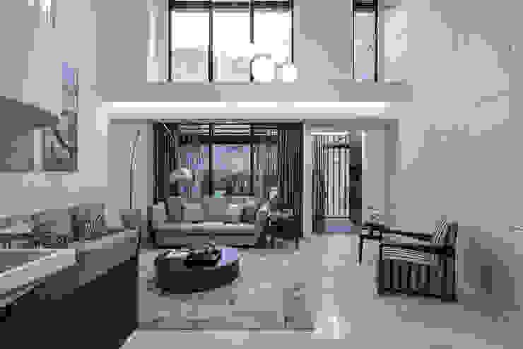Ruang Keluarga Modern Oleh 大荷室內裝修設計工程有限公司 Modern