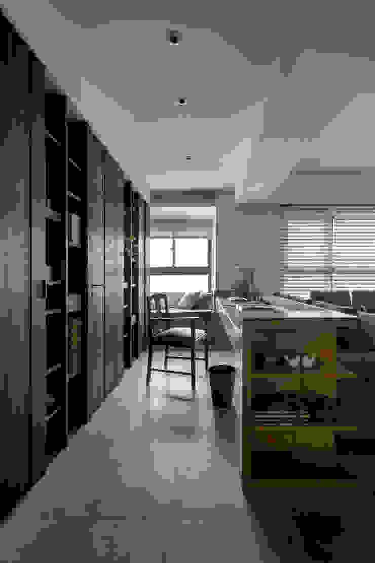 洗滌身心。療癒自然宅洗滌身心。療癒自然宅 根據 大荷室內裝修設計工程有限公司 現代風