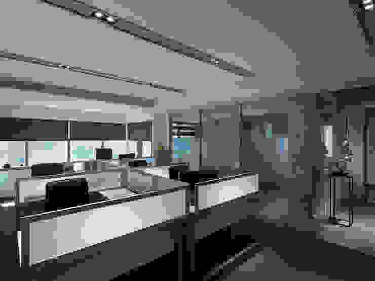 工作空間的最大值工作空間的最大值 大荷室內裝修設計工程有限公司 Modern style study/office